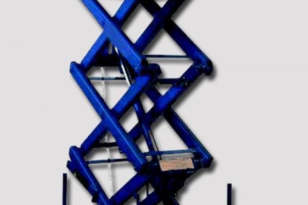 Mesa elevadora con tijera alta